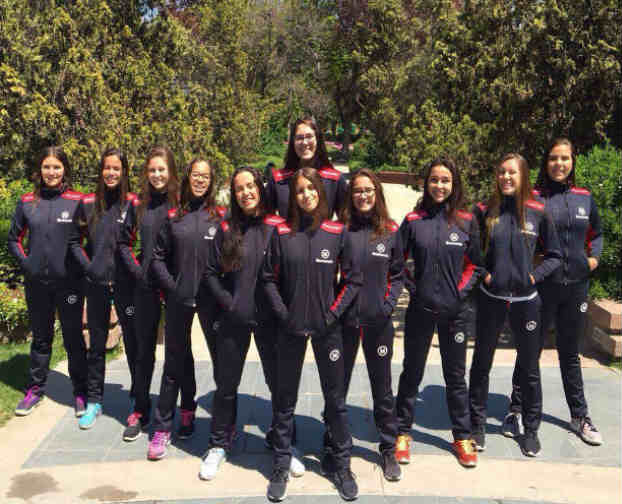Equipe de natação feminina reunida
